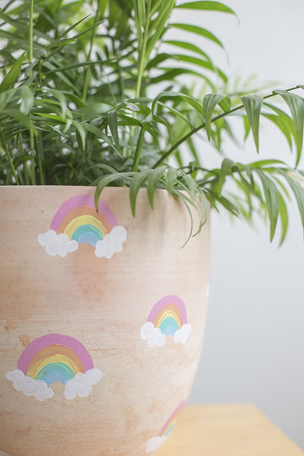 DIY Rainbow plant pot