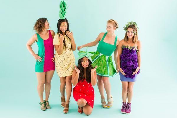 Ainda não sabe que fantasia vai usar nesse carnaval? Junte um grupo de amigos e vão fantasiados de frutas! #fantasias #carnaval #frutas