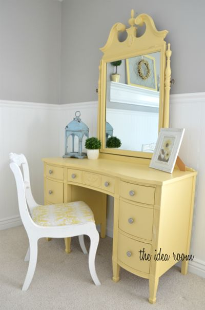 I would love this for a vanity!! how-to-paint-wood-furniture