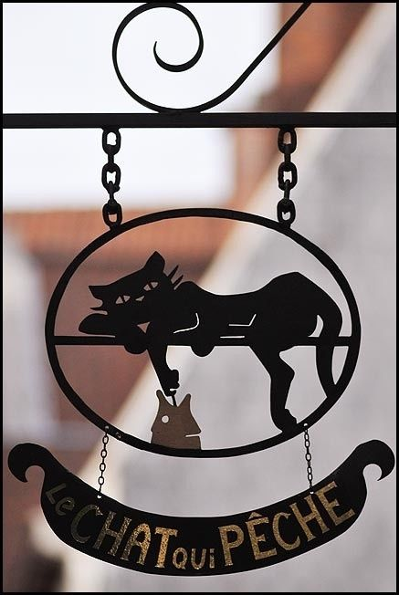 metal cat outdoor sign Le Chat oui Peche