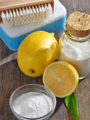 Backpulver, Zitronensaft oder Essig beseitigen Flecken auf Ceranfeld