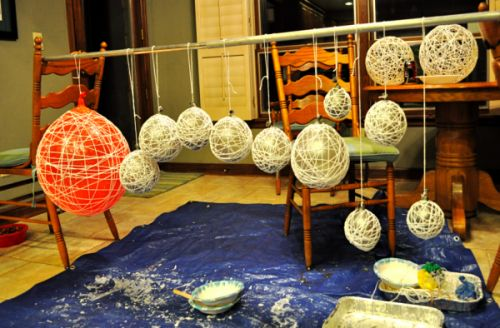 Google Image Result for http://www.shelterness.com/pictures/diy-string-chandeliers-5-500x328.png