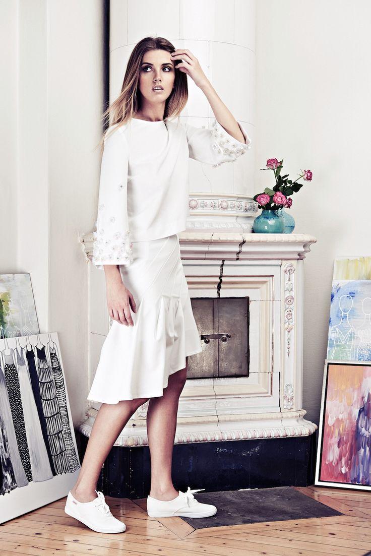 Lookbook SS15 Viktoria Chan fashion label, Scandinavian fashion, Flowers, Tulip arms, handbroderat