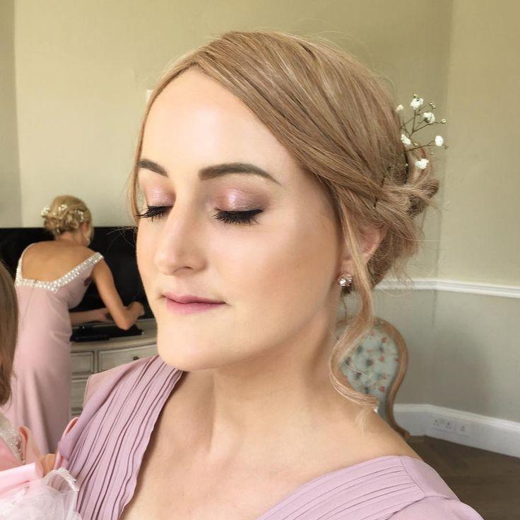 ✨Light pink and gold tones and glowy skin on the stunning bridesmaids from Samantha's wedding on Friday ��✨ #makeup #makeupartist #mua #muauk #wedding #weddingmakeup #bridesmaid #bridesmaidmakeup #nars #narsalldayluminous #mac #maccosmetics #macfaux #iconiclondon #peachesandcream #peachesmakeup #nyx #contour #contourandhighlight #highlight #spectrumbrushes #spectrumcollections #beautyblender #middletonlodge #middletonlodgewedding #beautybycaradavison…