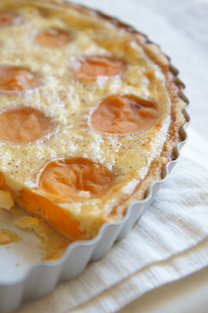 Sugary & Buttery - Apricot Tarte with Vanilla Custard