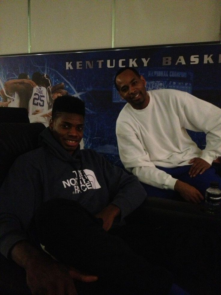 Derek Anderson visiting Nerlens Noel.  I LOVE THIS.  This is what our tradition is about.  #bbn #lafamilia