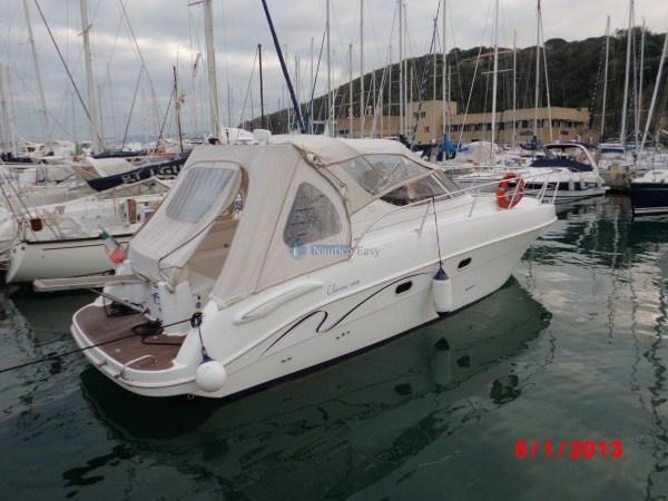 Saver 330 Sport - natante  Anno costruzione: 2007  Anno immatricolazione: 2008  Motori 2xMCM 5.0 L benzina  #yacht # yachting #barcamotore #barcaamotore