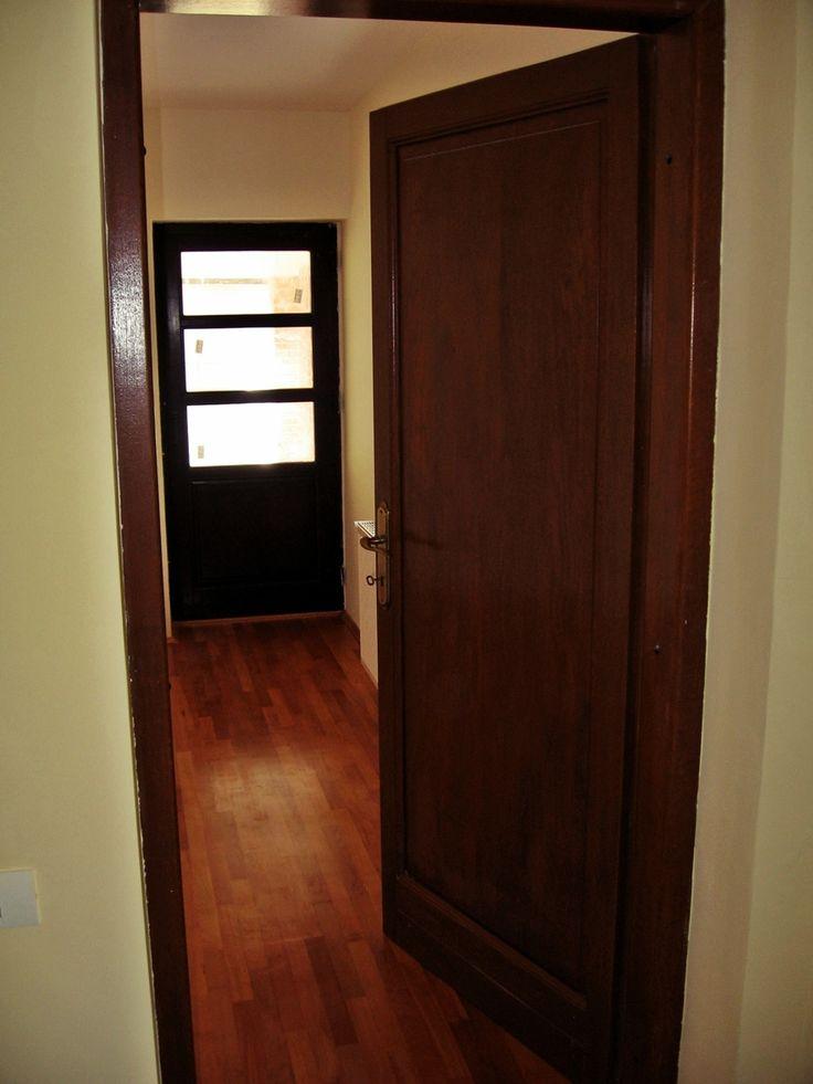 Usi de interior din lemn stratificat \ Laminated wood interior doors
