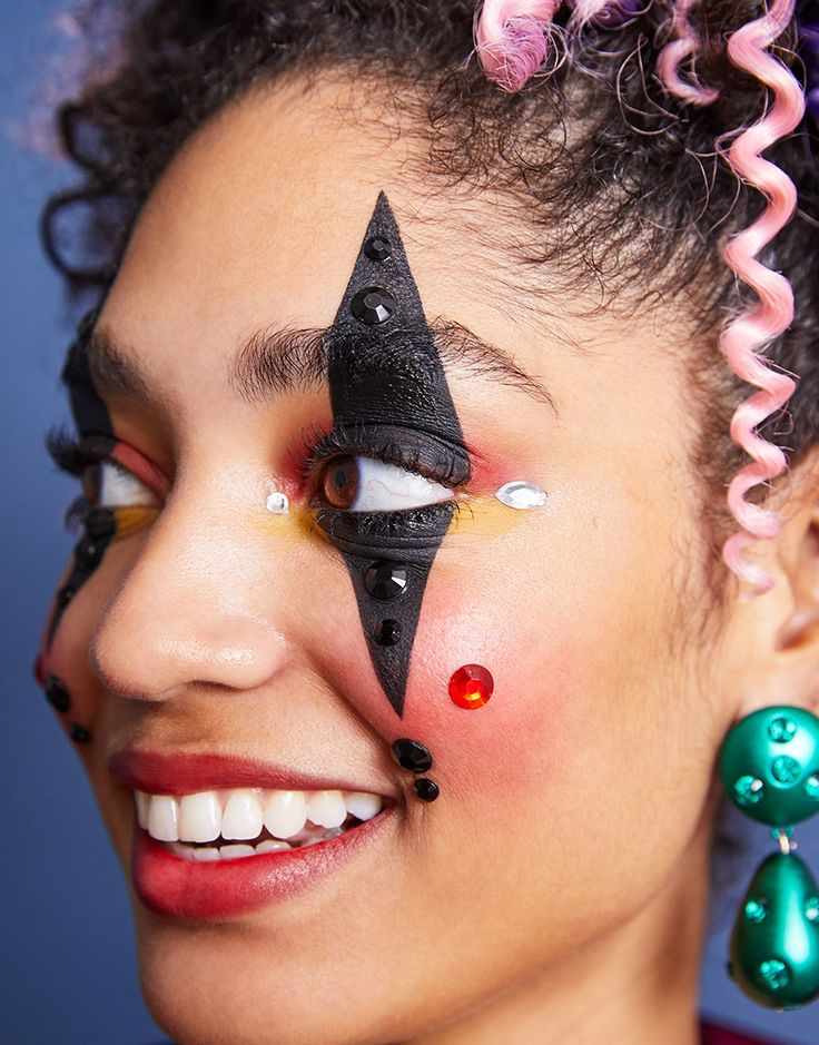 CHECK OUT OUR HALLOWEEN FACE KITS Creepy clowns makeup