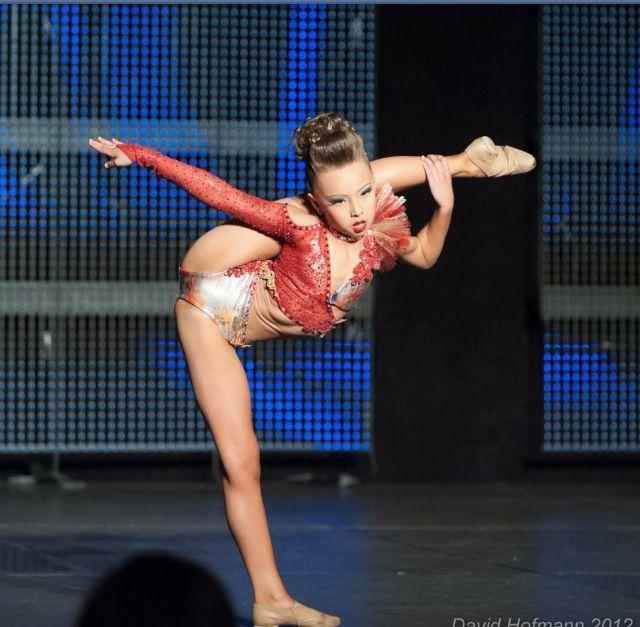 Sophia Luchia | Dancer