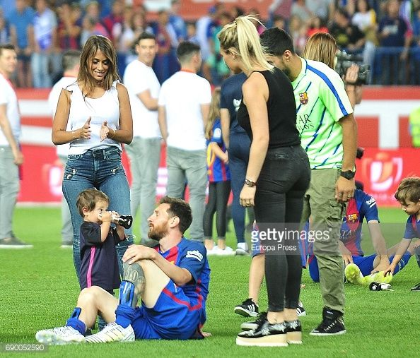 Leo Messi , Antonella Roccuzzo , their son Mateo Messi and Sofia Balbi attend the Copa del Rey Final match between FC Barcelona and Alaves FC at Vicente Calderon Stadium on May 28, 2017 in Madrid,...
