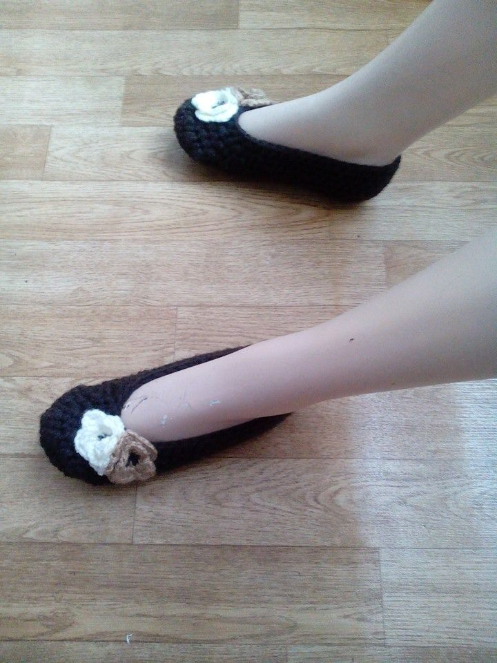 1000 ideas about chaussons femme on pinterest bootie slippers and pantoufle femme. Black Bedroom Furniture Sets. Home Design Ideas