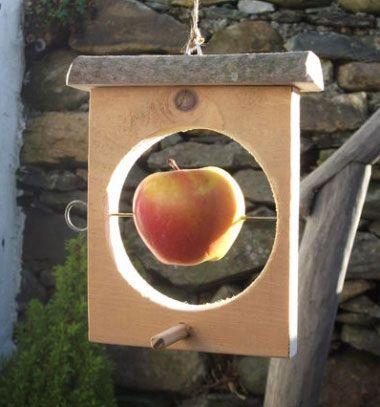 DIY winter apple feeder for birds (woodworking) // Téli alma etető madaraknak fából ( barkácsolás ) // Mindy - craft tutorial collection // #crafts #DIY #craftTutorial #tutorial #CraftsForPets