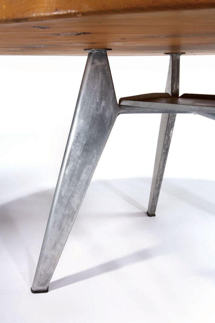 prouvé table