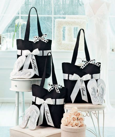 gift bags for brides maids, maid of honor, bride, these are the bags I'm ordering for myself and my Maid of Honor.