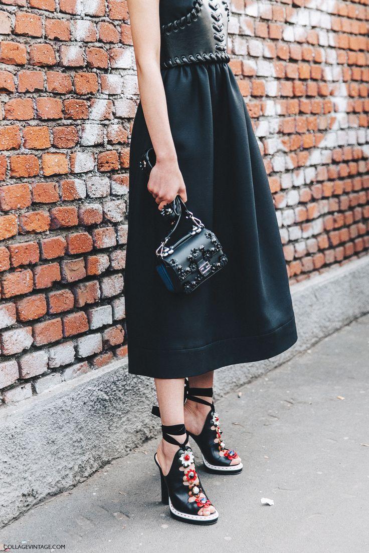 Milan❇Fashion-Week❇Fendi××××Un Magnífico Oufit en cuero acentuado en la cintura con un estupendo corsé trenzado....Atención a los zapatos son todo un detalle a resaltar conjuntamente con el bolso •••Un look total Blok donde los retazos de color están sutilmente en los complementos