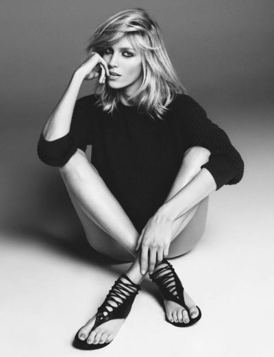 Today I have fresh news for you dears, Polish top model Anja Rubik has  collaborated with Giuseppe Zanotti for a new capsule collection of