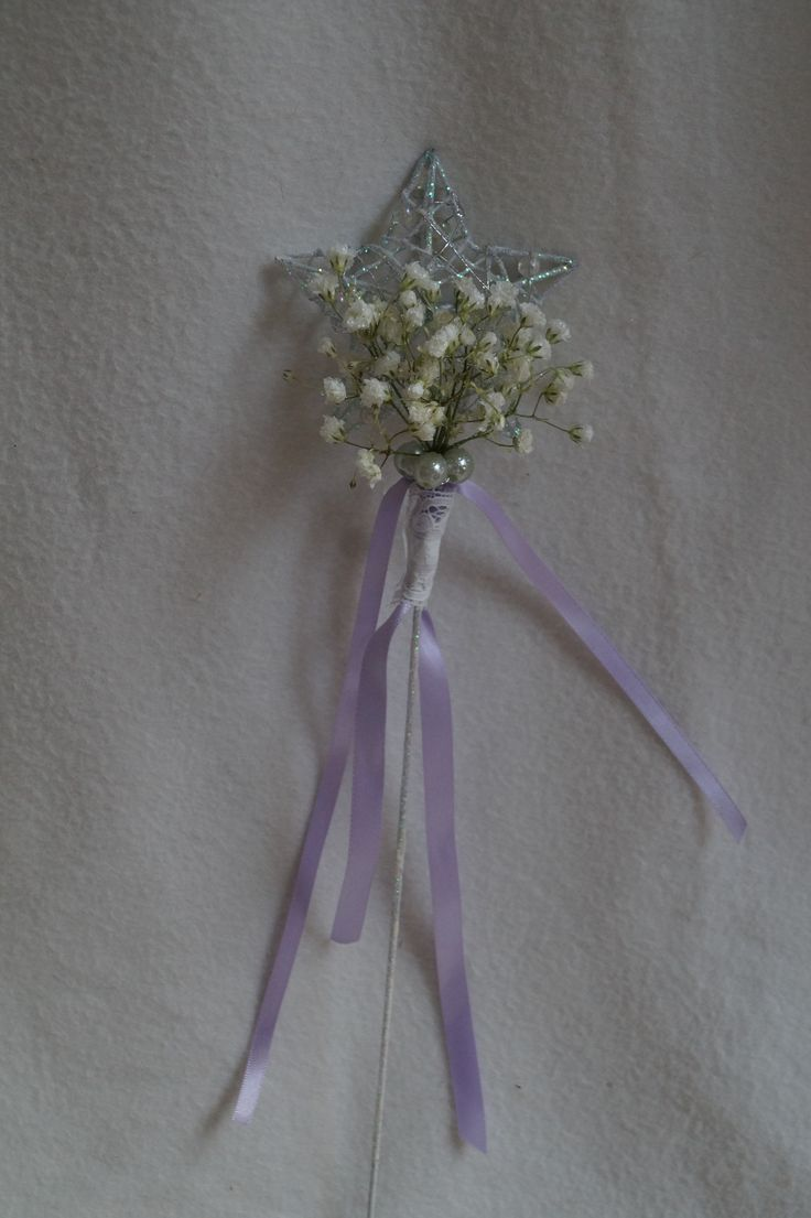 Flowergirl wand with gypsophila