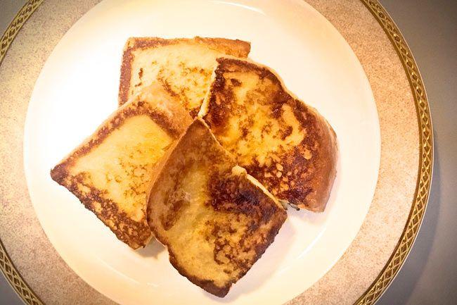 朝食の定番メニューのひとつ、フレンチトースト。忙しい朝でも簡単につくれて、子どもにも大人気ですよね。今回は、いつものフレンチトーストに発酵調味料として人気の塩麹をプラスして、胃にやさしい「塩麹フレンチトースト」を作ってみました。麹菌にはさまざまな分解酵...