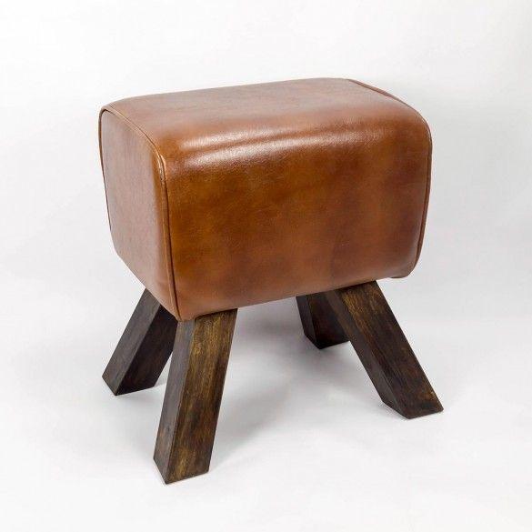 Hol dir deine Schulzeit in deine Wohnung. Ein gebrauchter Springbock als Sitzhocker von Vinterior. #Vintage #Wohnung #Designer