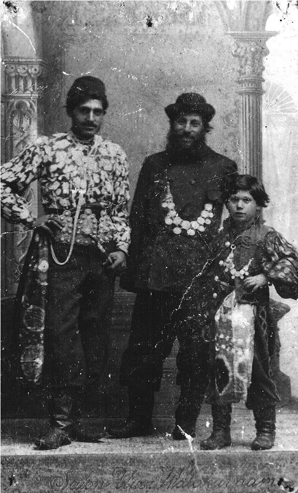 A unique picture from the 1890's. The first immigrating Romany: From left to right: Johan Taikon, Kori Janschetji, head man for the 450 Romany who live in Sweden under the names of Taikon-Kelderash and Bessik, also Vorso Taikon, dead in young years.
