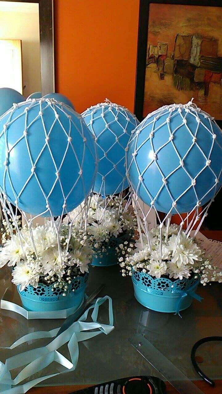 Balões decorados com rede.