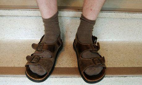 socks-and-sandals-006.jpg (460×276)