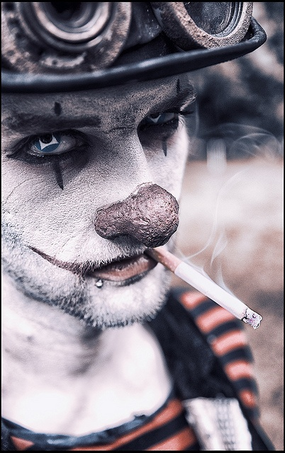 Meet the carnies by RBfoto.eu, via Flickr I'm a little disturbed by this which is the exact reason I have to repin it...