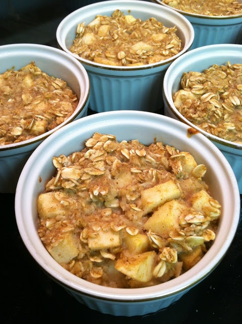 Apple Pie Baked Oatmeal - I'll sub flax for the egg to make vegan
