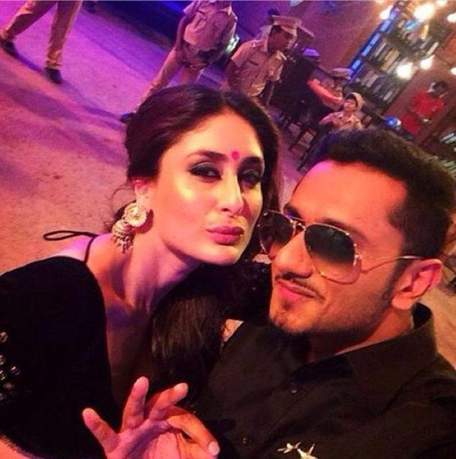 Kareena Kapoor pouts for selfie with Yo Yo Honey Singh - http://www.yoyohs.com/kareena-kapoor-pouts-for-selfie-with-yo-yo-honey-singh/Yo Yo Honey Singh  is selling like hot cakes. He is the latest sensation in Bollywood and every producer wants him to rap for their film. So after Chennai Express, Boss, Bhootnath Returns and Kick, the rapper has composed a song for August 15 release, Singham Returns. The song is picturised on ...