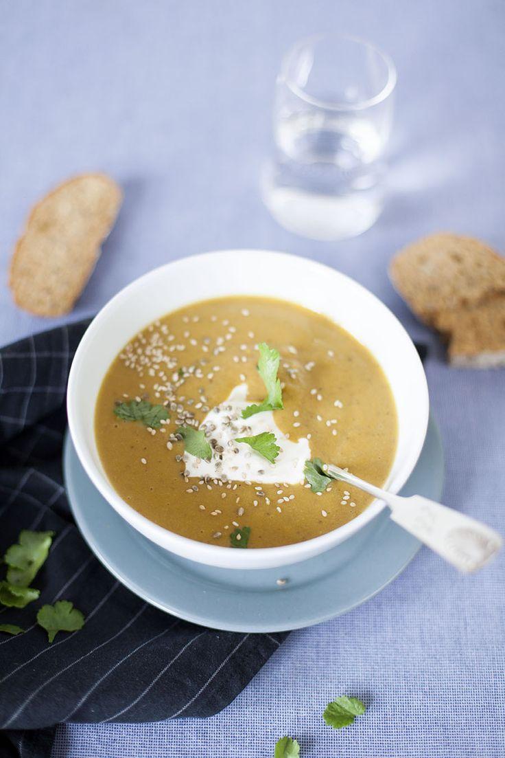Soppa på bondböna och morot, anvisningar här: http://martha.fi/sv/radgivning/recept/view-93381-4642