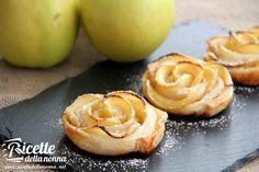 Le rose di mela sono dei dolcetti molto scenografici ma facili da preparare. Sono particolarmente adatte per la merenda dei bambini ma vedrete che anche gli adulti non li disdegneranno di certo.