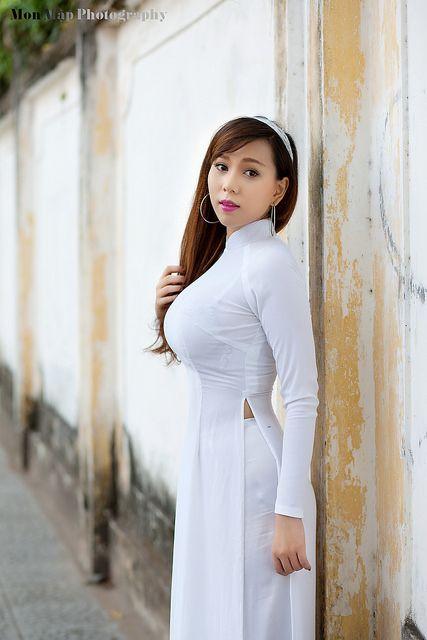 15616358969_847cace121_o   Áo Dài Lung Thị Linh   Flickr