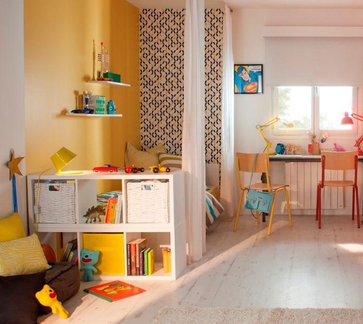 Les 25 meilleures id es de la cat gorie papier peint jaune sur pinterest chambres peints en - Chambre jaune et blanche ...