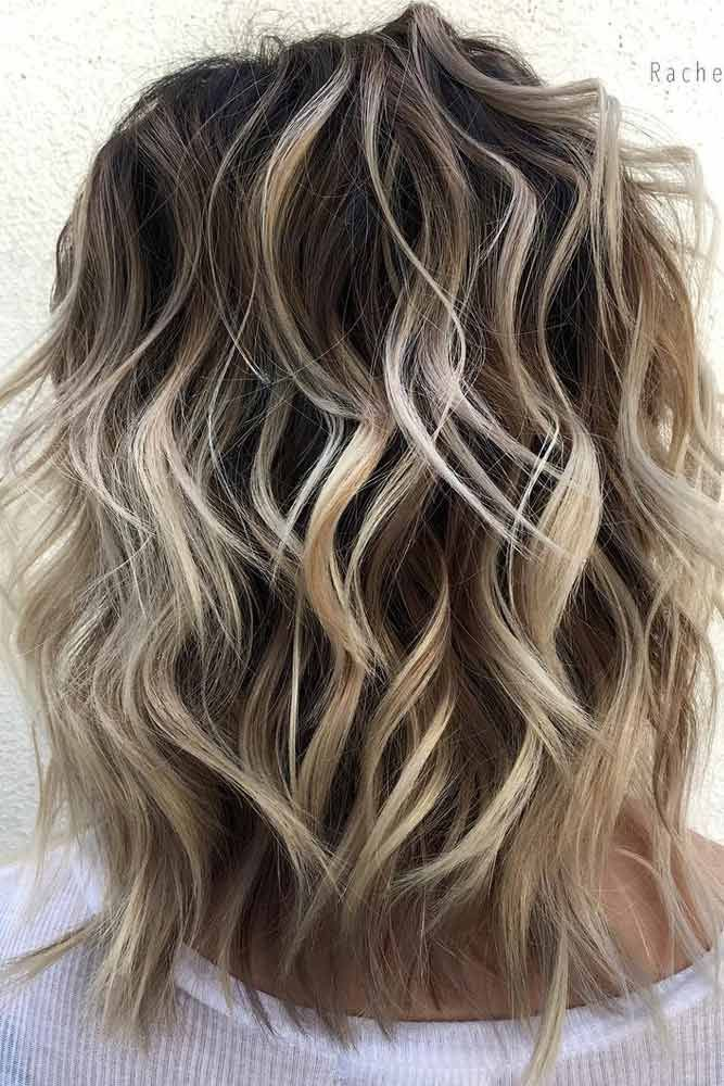 Look through our hairstyles for shoulder length layered hair and get inspired to style your own hair. Find your universal hairstyle for any occasion. #haircuts#haircolor#hairstyle
