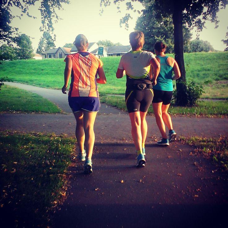 Deze training is te gek om samen te doen! http://stoerevrouwensporten.nl/blogs/hardlooptraining-voor-de-halve-marathon/