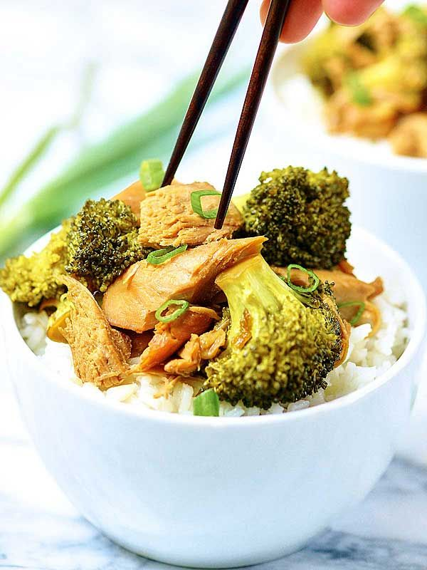 Forget take out and have this Crockpot Chicken and Broccoli instead!
