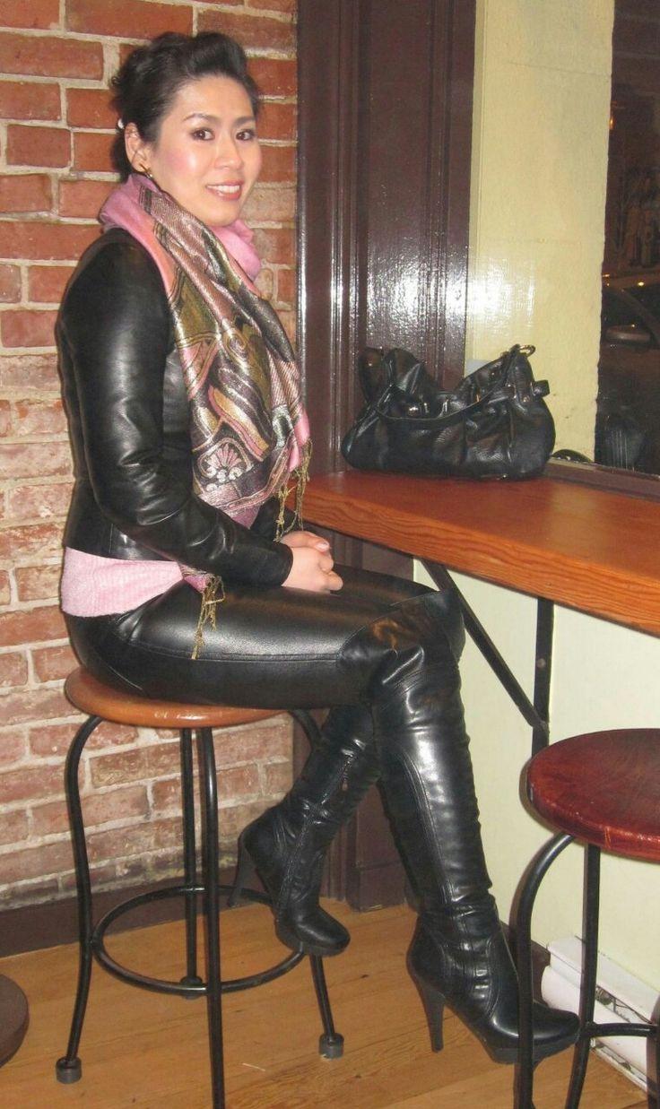Pin Von Michael Schmidt Auf Ladies Wearing Boots  Lederhosen Outfit, Lederbekleidung -8198