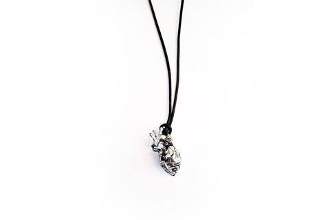 Cold Beating Heart Necklace – Dirty Lola's