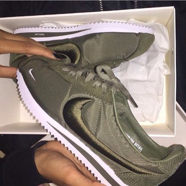 sale retailer 0ca69 f7991 Omfg olive green cortez oooweee   Clothes, Fashion   Beyond in 2019   Shoes,  Running shoes nike, Sneakers