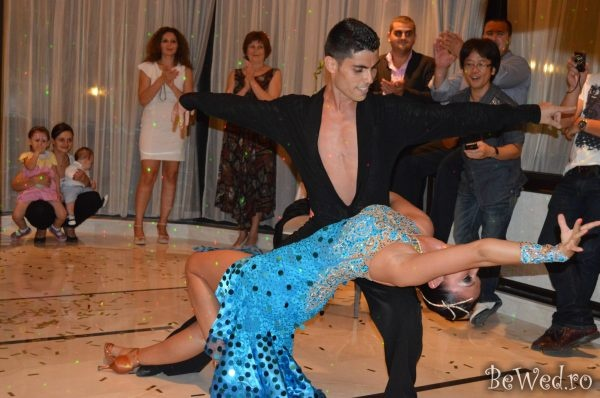 Show latino dansatyori profesinisti pentru nunta - Stop and Dance Studio #7