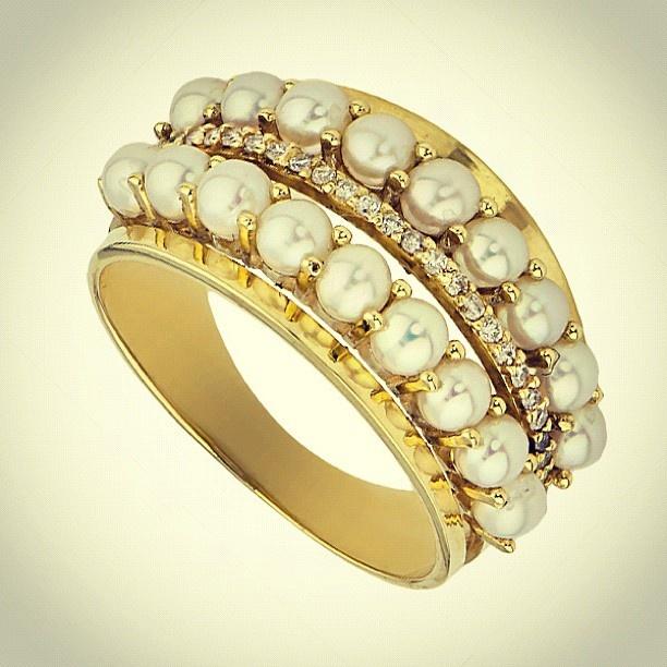 Anel em Ouro com Pérolas - @JoiasGold Joalheria Online Joalheria Online- #webstagram www.joiasgold.com.br #Joiasgold #Anel #Ouro #Joias #Aneldeouro #Joalheria #Moda #Ring #Gold #jewel #jewelry #Diamante #Brilhante #Diamond #Pérola #Pearl
