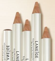LANEIGE Easy Drawing Concealer_Pencil-type concealer that easily and rapidly covers partial blemishes like freckles