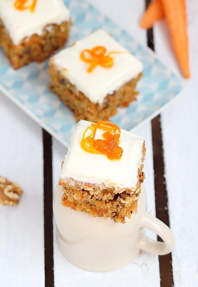Délices d'Orient: Gâteau moelleux aux carottes, noix et raisins secs...