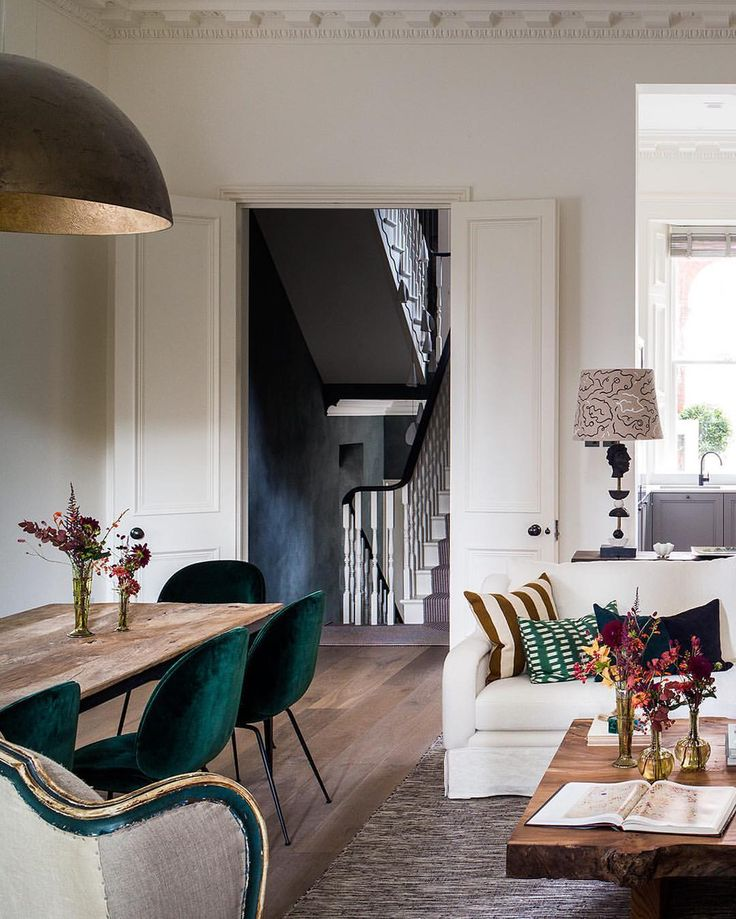 Open plan || Designed by Sophie Elborne of Kitesgrove || Beetle chairs by Gubi || Photographed by Paul Raeside