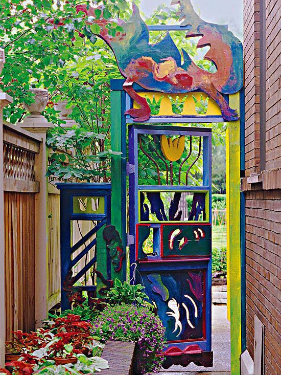 Tap Your Inner Artist Embellish The Ordinary A Simple Gate Takes On Whimsical