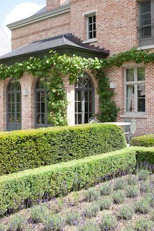 Typical belgian exterior design - Bibeline
