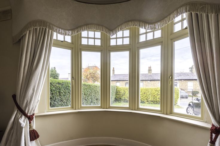 Signature's Casement Windows Are Custom Designed To Meet Your Unique Specifications. Learn More.