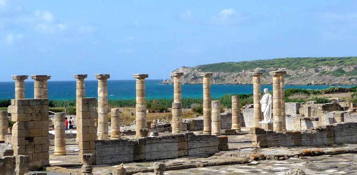 Baelo Claudia en Cádiz es un lugar singular por la belleza natural del entorno y por la abundancia de restos romanos difíciles de encontrar en otros yacimientos.