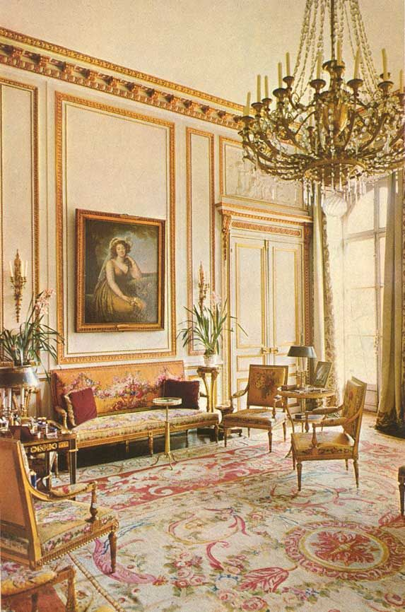 The rooms of Marie Antoinette, A salon at the Hotel Masserano in